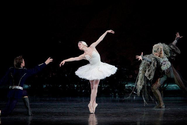Natalia Osipova/Matthew Golding/Gary Avis in Royal Ballet's Swan Lake, 4th Act